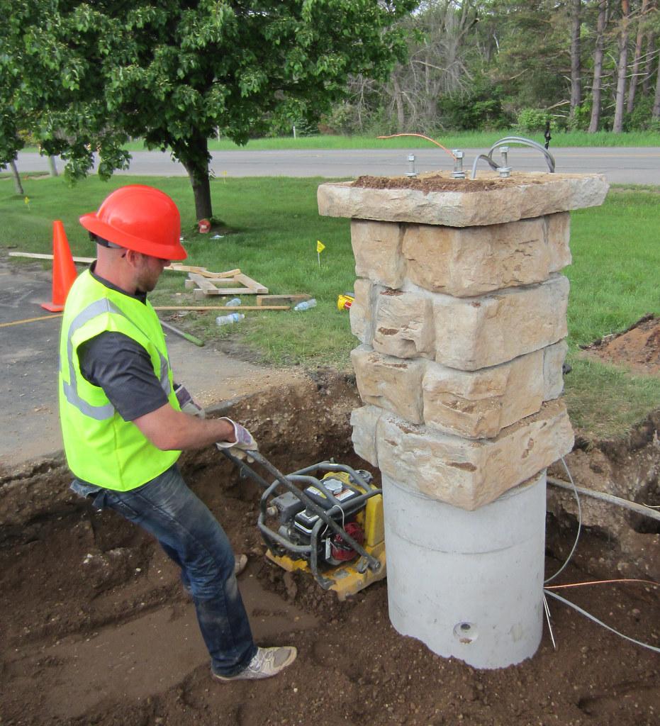 precast sign foundation using pole base