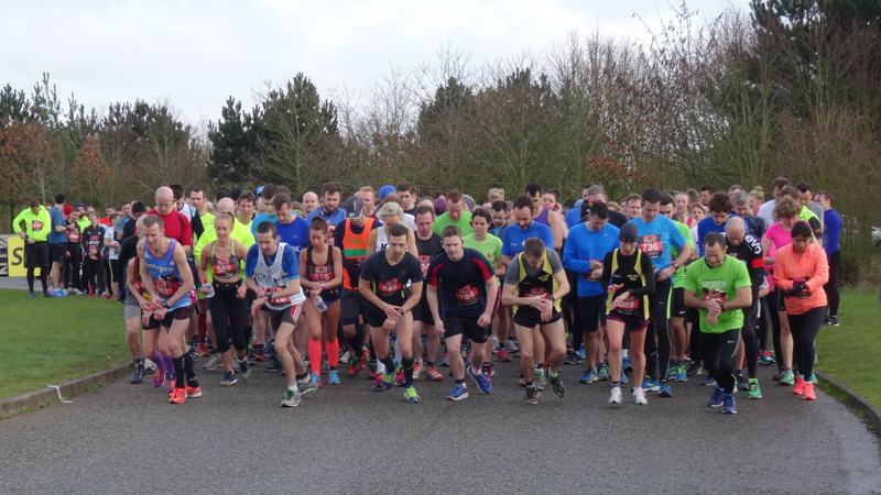 Runners assembled at the start line.