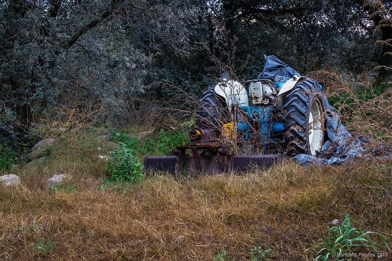 Un tractor al parecer abandonado