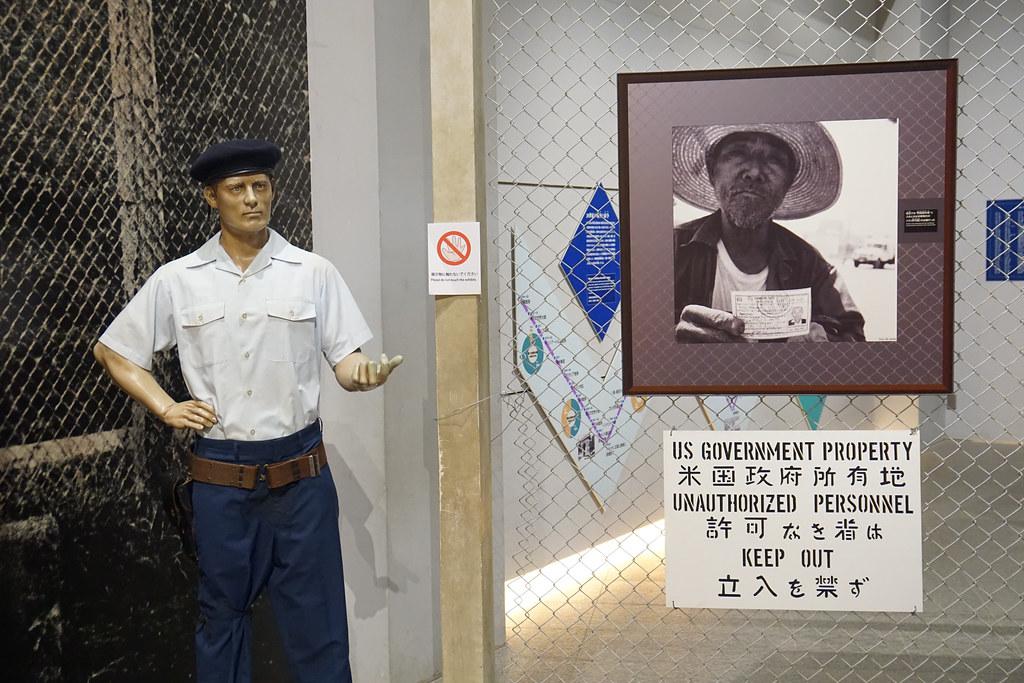 沖繩和平祈念資料館一景,呈現二戰後美軍設置在沖繩的基地。(攝影:王顥中)
