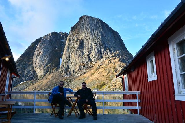 Sele e Isaac en Reine (Islas Lofoten, Laponia Noruega)