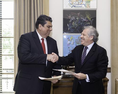 La OEA y la Universidad Católica Santiago de Guayaquil colaborarán en derecho internacional