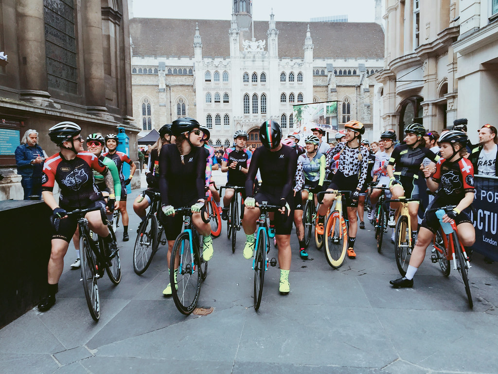 londonnocturne2018-fixed-gear-criterium-women