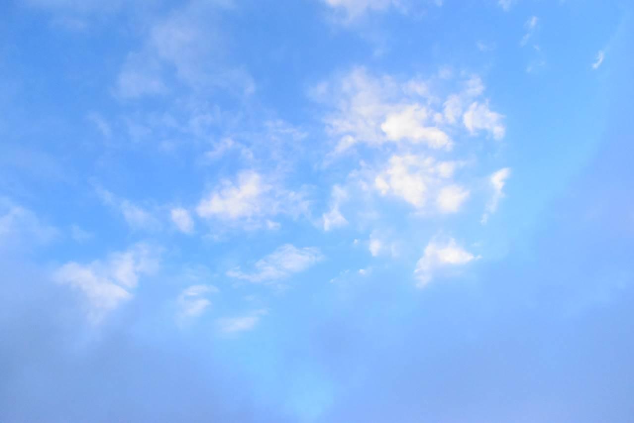 台湾・雪山登山で見た青空