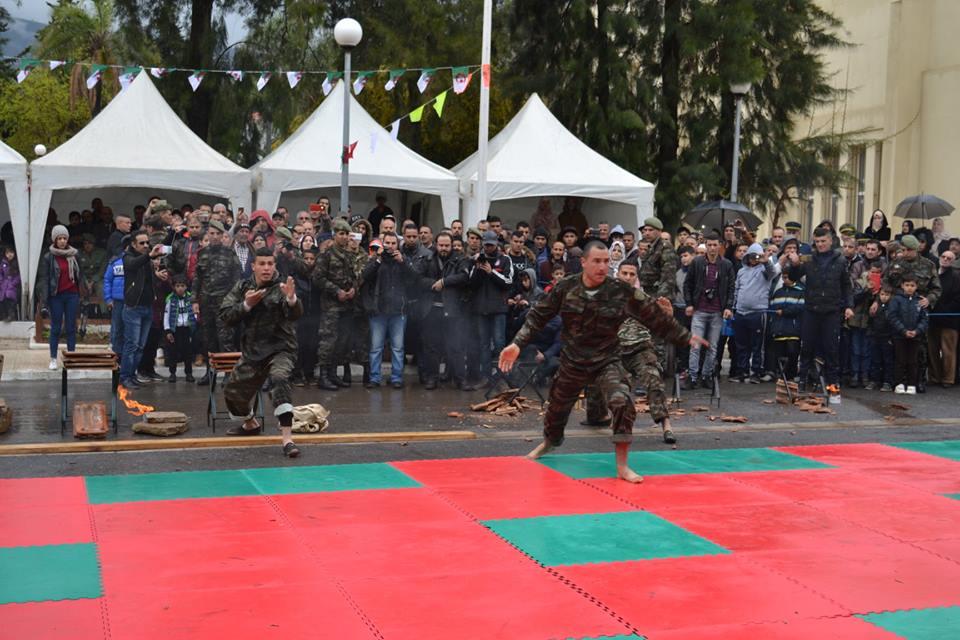 موسوعة الصور الرائعة للقوات الخاصة الجزائرية - صفحة 64 40902755370_77826f9909_o