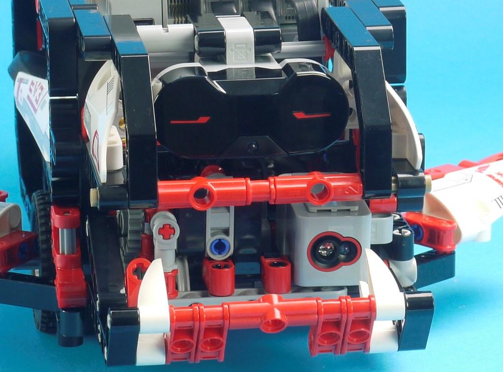 Building Smart LEGO MINDSTORMS EV3 Robots | Brickset: LEGO