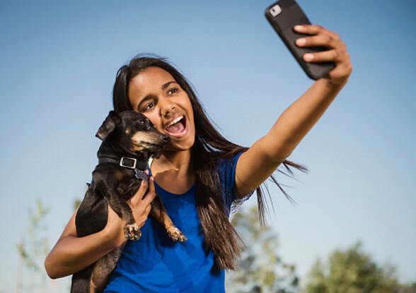 howto take selfies like a model