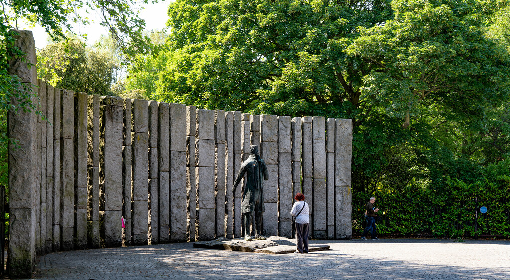 STATUE THOEBALD WOLFE TONE BY NOEL KEATING AND EDDIE DELANEY  002