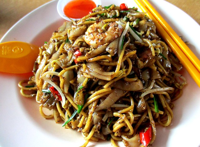 101 Food Court Penang char kway teow & mee kahwin 1