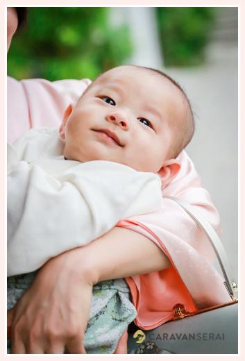 塩釜神社(名古屋市天白区)へお宮参り|家族写真カメラマンが撮る自然な赤ちゃんの表情