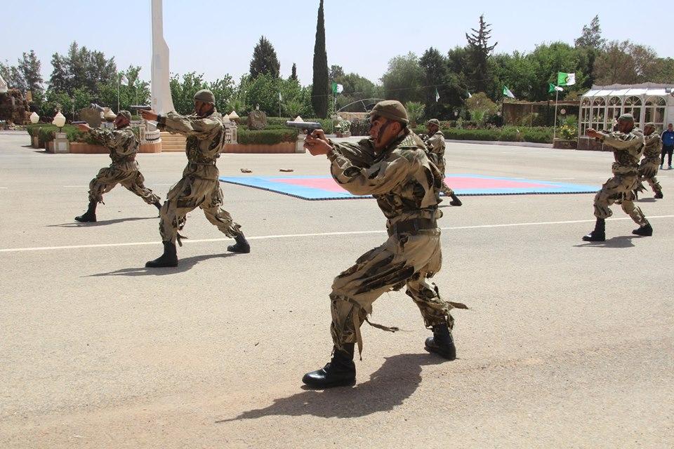 موسوعة الصور الرائعة للقوات الخاصة الجزائرية - صفحة 64 27962709107_b0739d7443_o