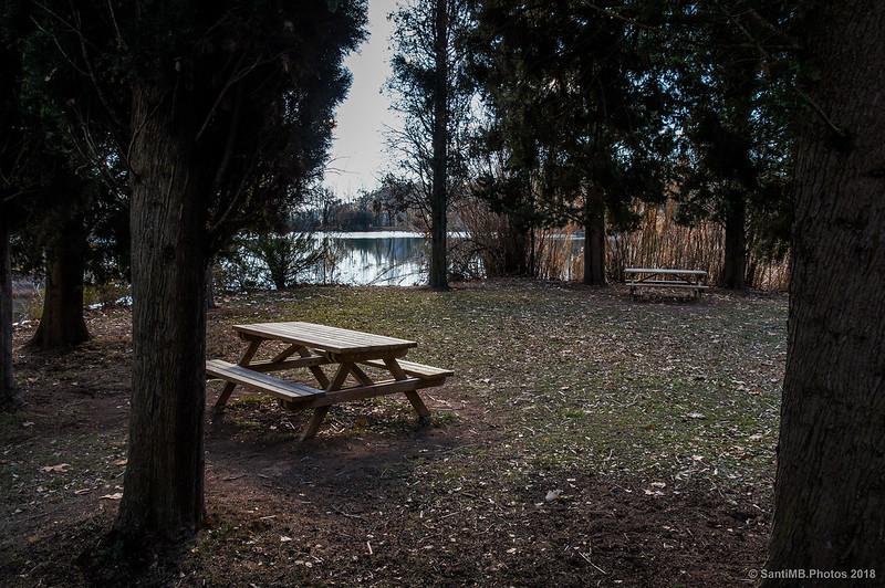 Zona de picnic a orillas del lago de Graugés