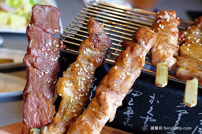41825816745 080afae52b b - 熱血採訪 | 台中我流精緻烤物餐廳,外觀霸氣價格平價,我流丼飯牛肉蓋好蓋滿只要120元