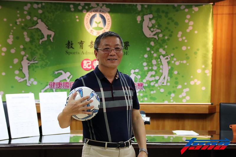 體育署長林德福提出各項計畫培植基層足球人才。(林志儒/攝)