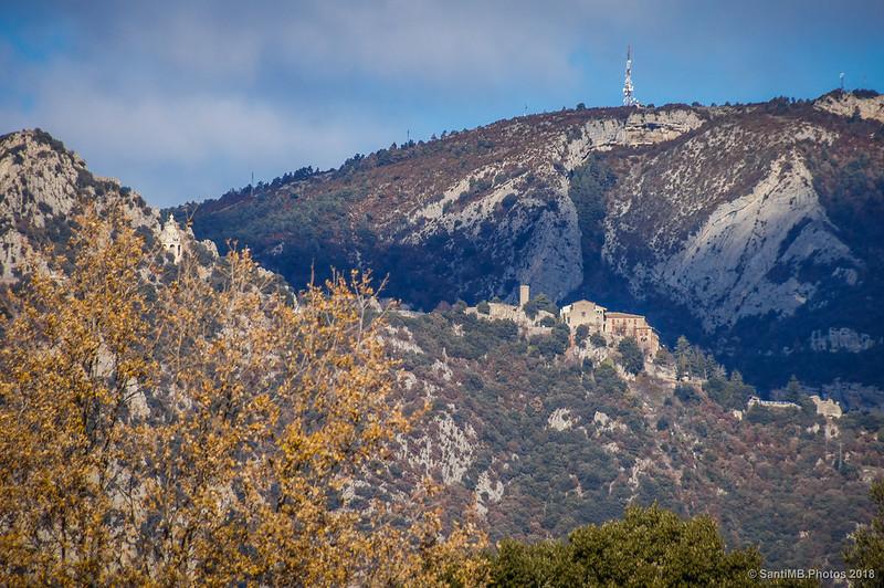 Santuario de Queralt desde el camino al Camping Serrat Roig