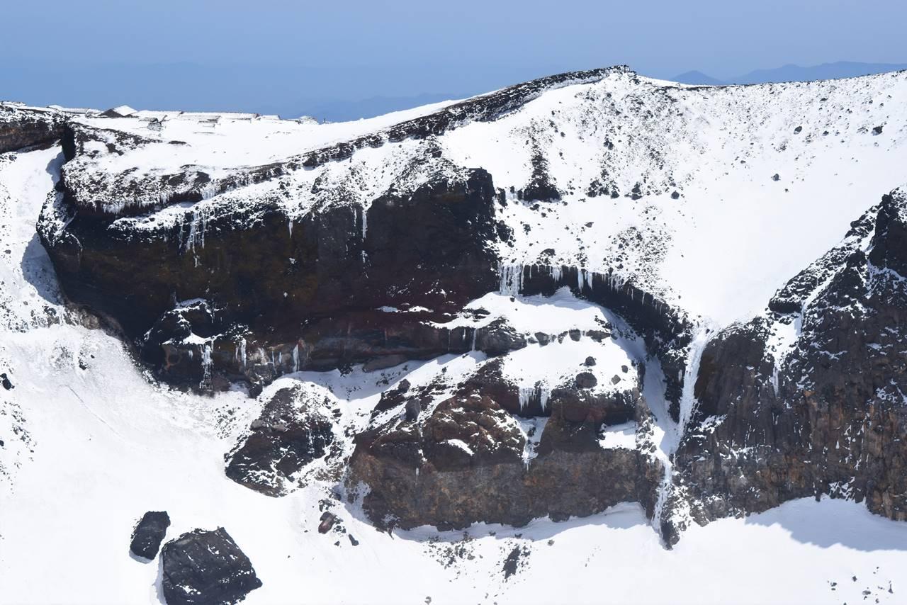 富士山頂火口の幻の氷瀑