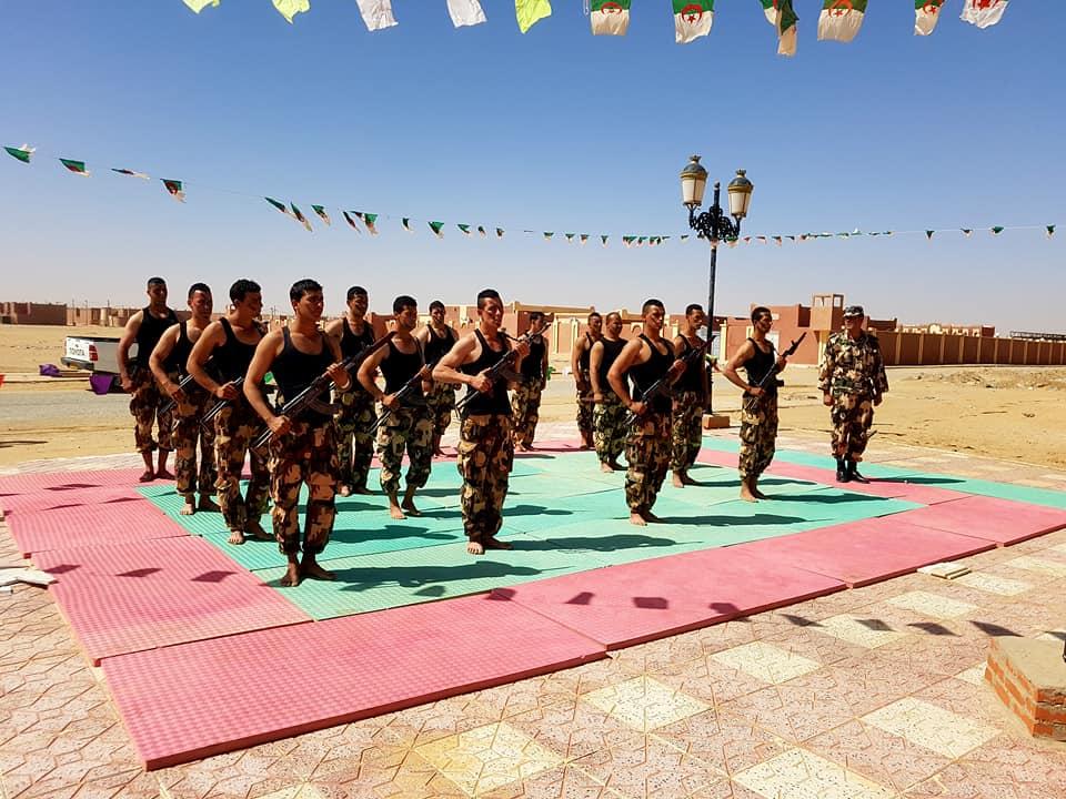 موسوعة الصور الرائعة للقوات الخاصة الجزائرية - صفحة 63 41759074844_1ae6aab651_o