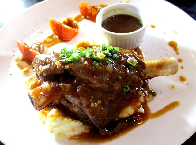 Le Cafe lamb shank 1