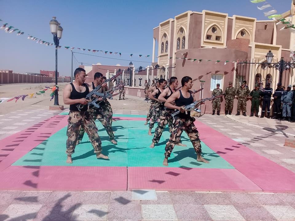 موسوعة الصور الرائعة للقوات الخاصة الجزائرية - صفحة 63 41759075294_1fe9641a4d_o