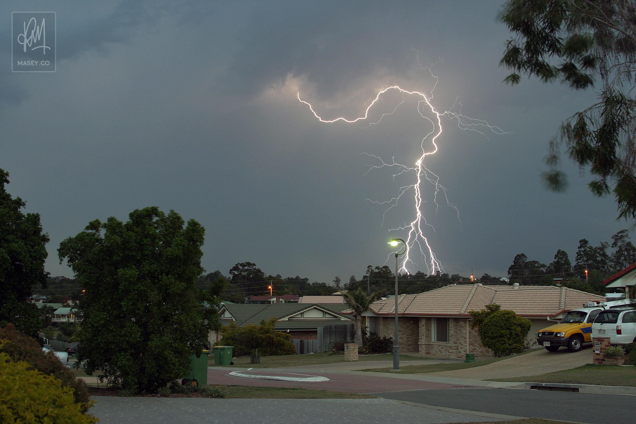 Impressive fork lightning touching down over Brisbane