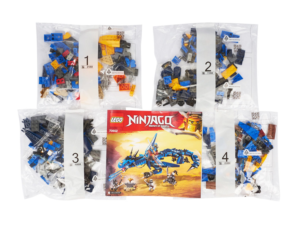 493 piece Stormbringer 70652 LEGO NINJAGO Masters of Spinjitzu Package Damage