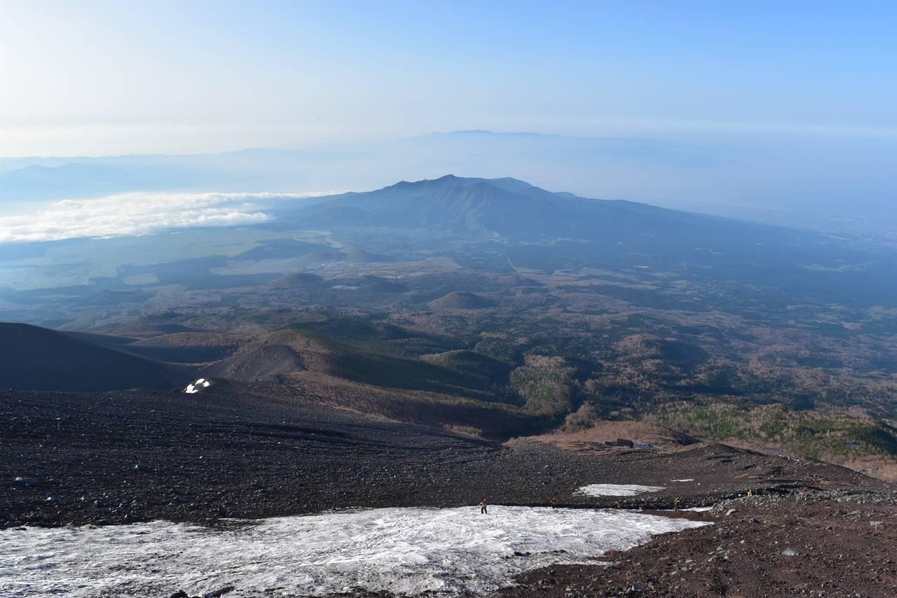 富士宮コースから愛鷹山の展望