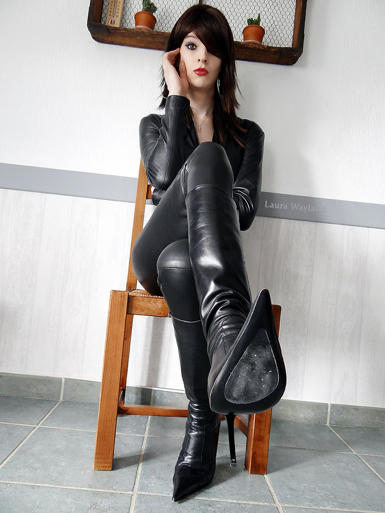 Crazy-Laura   Catsuit  Leather Catsuit 4-019  Www -7359
