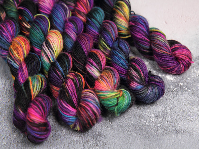 Hand dyed pure British wool superwash sock yarn 20g mini skeins – 'Shinjuku'