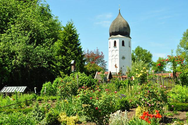 Frauenwörth, Fraueninsel im Chiemsee, Blütenpracht, Rosen usw. im Mai/Juni 2018 ... Foto: Brigitte Stolle