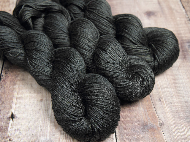 Brilliance 4 Ply  – British Bluefaced Leicester wool and silk hand-dyed yarn 100g – 'Graphite'