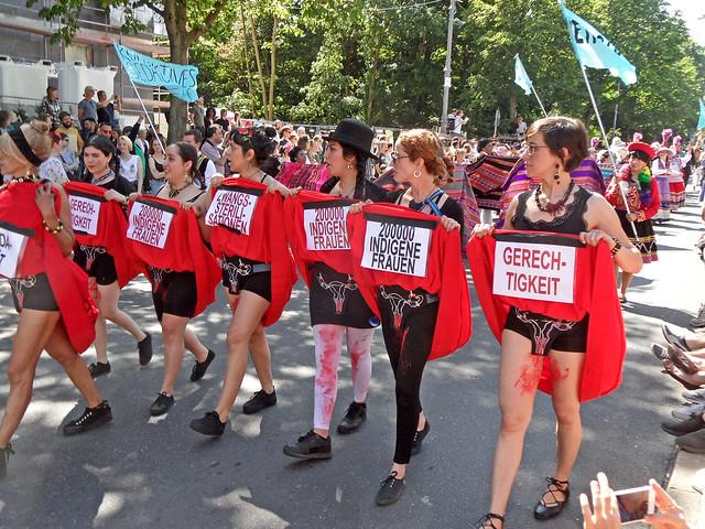 Protest gegen Zwangssterilisierung indigener Frauen in Peru