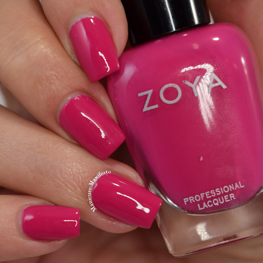 Zoya Merry Bright swatch