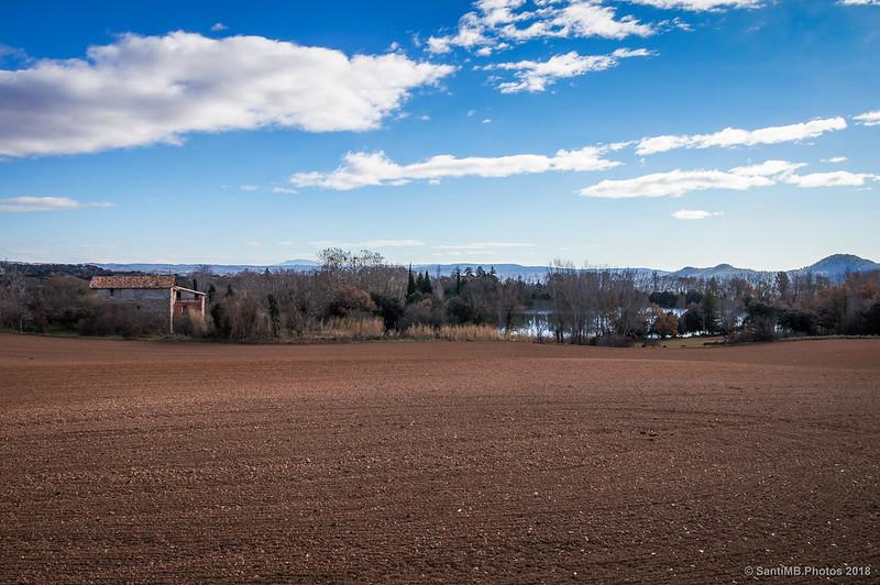 Cal Torrentbó y el lago de Graugés