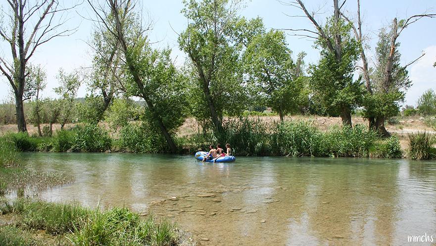 navegando en el rio