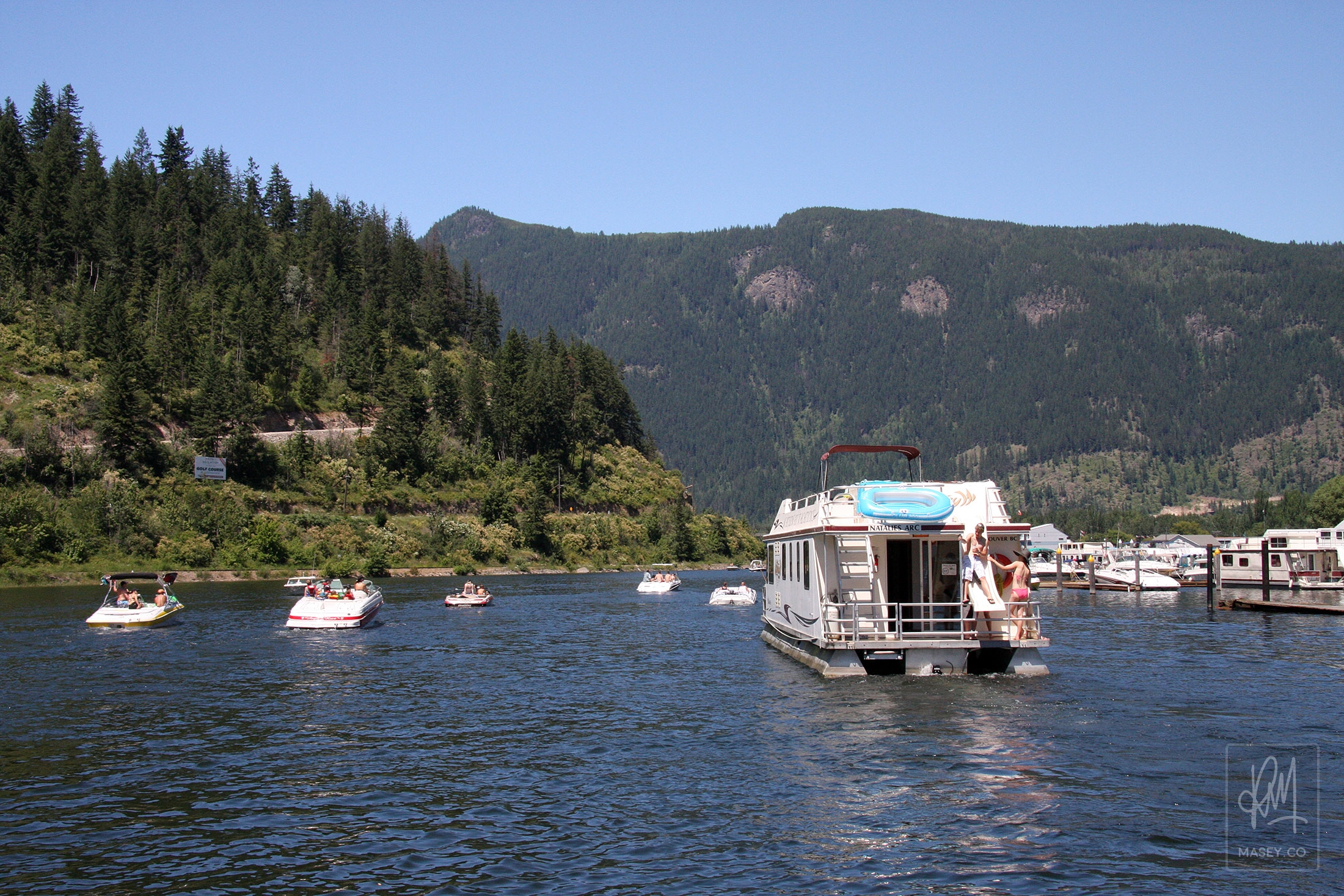 Shuswap House Boating
