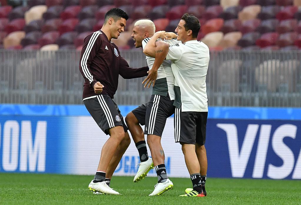儘管外界批評聲浪不斷,墨西哥選手仍專注在盧日尼基體育場備戰。(AFP授權)