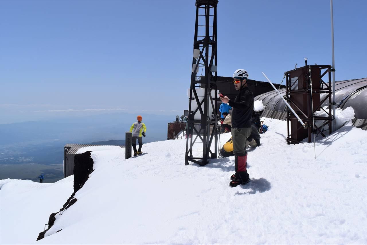 電波入る富士山剣ヶ峰山頂