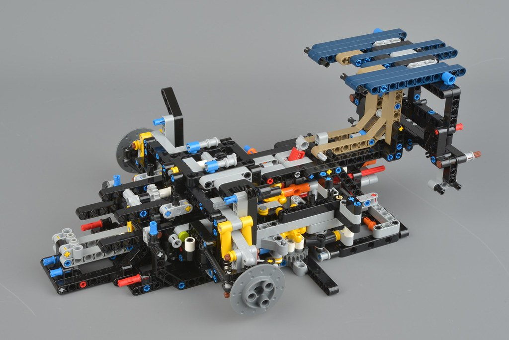 LEGO Technic 42083 Bugatti Chiron review | Brickset: LEGO set guide