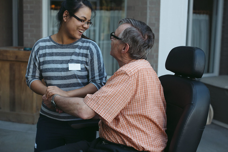 Young woman with care patient: there's a variety of volunteering activities within the European Solidarity Corps