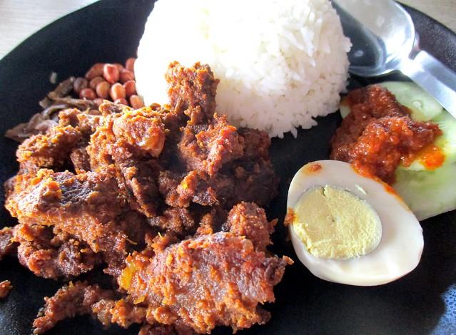Warung BM nasi lemak beef rendang 2