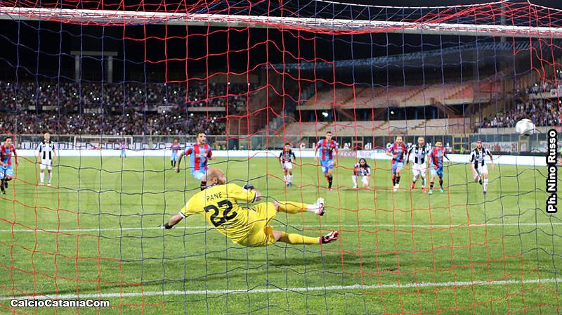 Lodi spiazza Pane, è il trentesimo gol in maglia rossazzurra