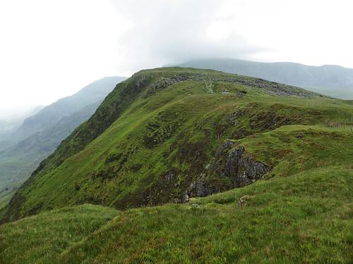 Following the Llechog ridge