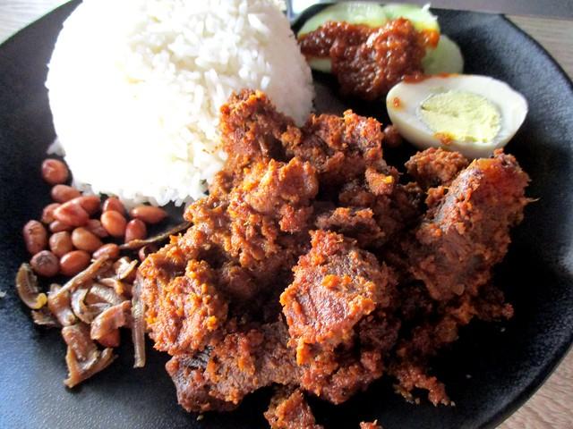 Warung BM nasi lemak beef rendang 1