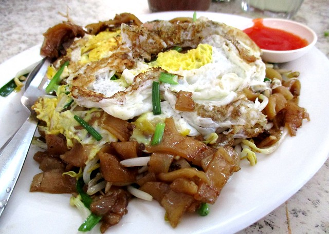 Sing Long Cafe Ah Tor-style char kway teow