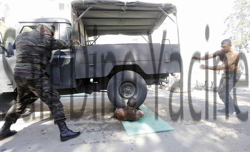 موسوعة الصور الرائعة للقوات الخاصة الجزائرية - صفحة 64 42700533801_fb2f41d26f_o