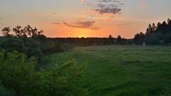 Рассвет на ПротвеВстреча рассвета на мосту через Протву в д.Вашутино Боровского р-на Калужской областиОригинал фото см. тут - c2.staticflickr.com/2/1754/27602043747_c83c76c9c7_o.jpg