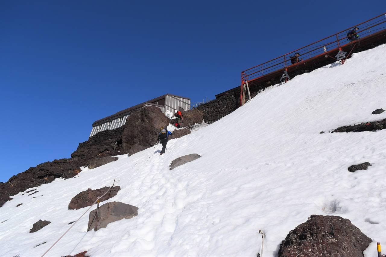富士山 残雪日帰り登山(富士宮コース)