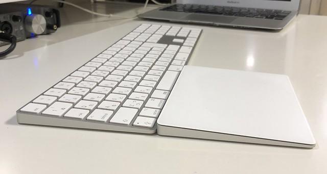 iMacのキーボードを真横から