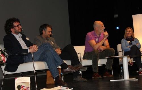 Xosé Manuel Sande (concejal de Culturas), Xulio Ferreiro (Alcalde de A Coruña), Alejandro Palomas, Isabel Blanco (Directora de las Bibliotecas Municipales de A Coruña)
