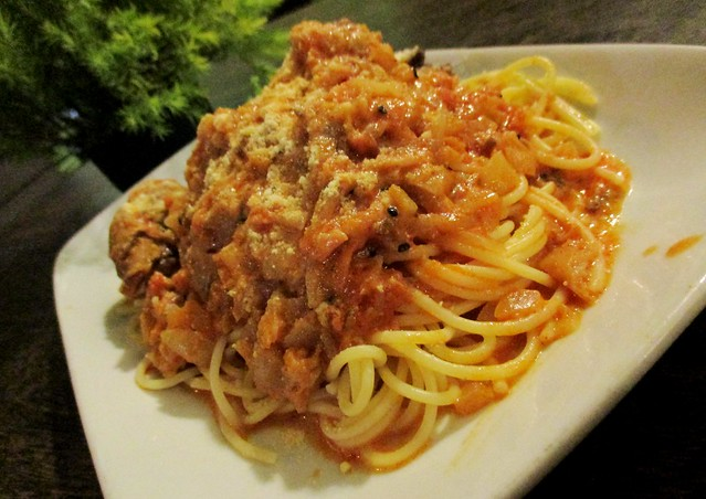 Payung Cafe butter chicken spaghetti